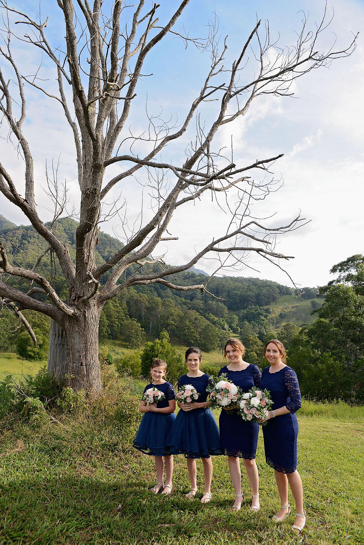 midginbil hill wedding